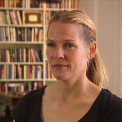 Toimittaja ja kirjailija Åsne Seierstad kirjoitti kirjan Norjan terrori-iskuista ja tappaja Anders Breivikistä.