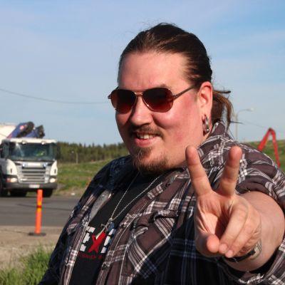 Antti Railio kaatopaikalla.