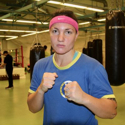 Elina Gustafsson lähikuvassa