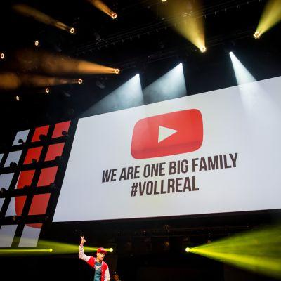 YouTuben logo näytöllä Saksassa.