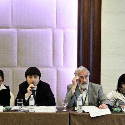 Länsimainen idealismi ja kiinalaiset rahoittajat törmäävät ekokaupunkihankkeessa.