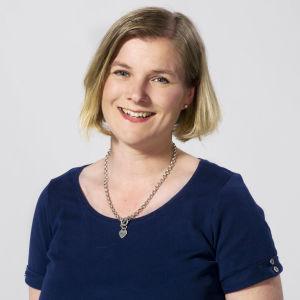 Ann-Christine Karhu är redaktör och arbetar för Svenska Yle.