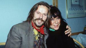 Arto Melleri ja Nadja Pyykkö Finlandia-palkintoehdokkaiden julkistamistilaisuudessa vuonna 1992.