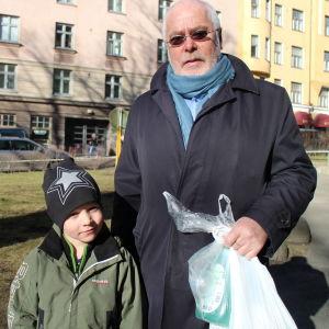 Isoisä Björn Sjöstrand ja lapsenlapsi Mark Sjöstrand