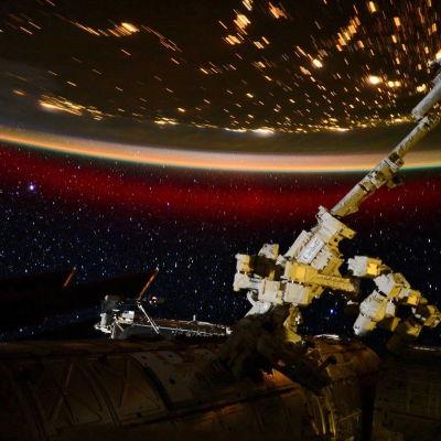 Norrsken sett från rymden den 22 juni 2015.