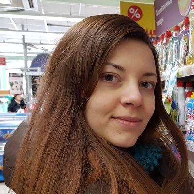 Köp inget onödigt, uppmanar Anna Tiatte.