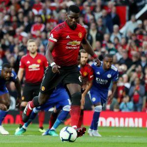 Paul Pogba spelar fotboll.