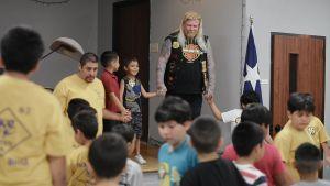 Pontus missionerar för barn och unga.