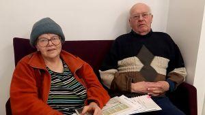 Kaarina Nazarenko och Odin Sjöholm från Sibbo namnkommitté.