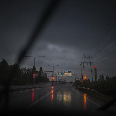 Salomo-myrskyn rintama Kokkolan yllä 8. kesäkuuta 2016.