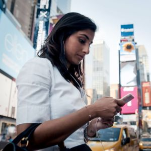 Miten norjalaiset sijoittajat pärjäävät markkinatalouden kourissa turbulentissa New Yorkin pörssissä, jossa etiikan ohi menee nopeus ja pikavoittojen tavoittelu?