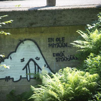 Korkeakosken sillan kupeessa murhemusu ja teksti: En ole mitään ...  en sitäkään..