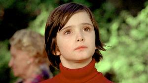 Korppi sylissä. Elokuva vuodelta 1976. Kuvassa Ana Torrent.