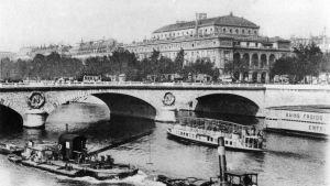 Bro över floden Seine i Paris, Frankrike