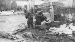 Saksalaisia joukkoja Honsfeldissä
