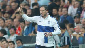 Frank Lampard lotsar sitt lag i Super Cup-matchen.