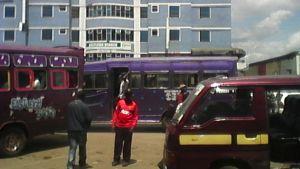 Somalierna i Kenya dominerar inom handel. Flera fastigheter ägs av somalier.