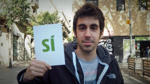 Unga man i Barcelona tänker rösta JA i den inofficiella folkomröstningen om självständighet