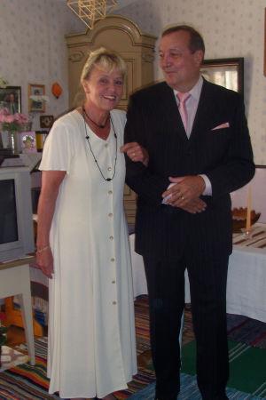 Tainan ja Paulin tarina kerrotaan SuomiLOVEn kotisivuilla.