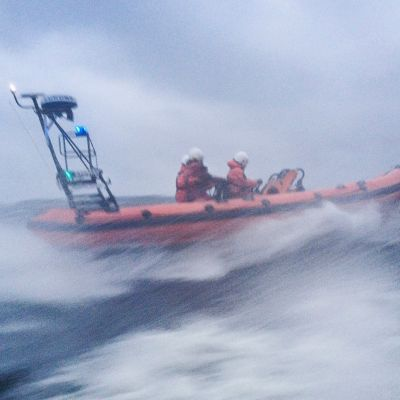 Bild på sjöräddningsbåt.