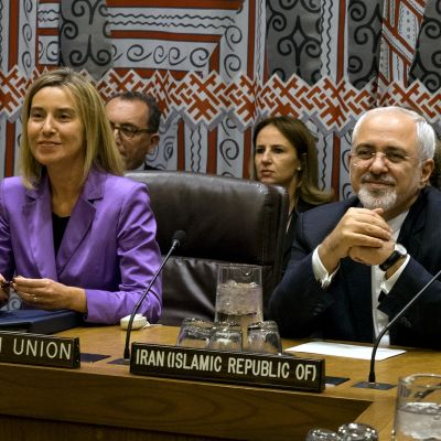 Federica Mogherini, EU:s höga utrikespolitiska representant, och Irans utrikesminister Javad Zarif.