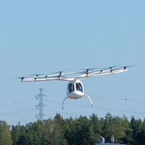 Volocopter tulossa laskuun Helsinki-Vantaan lentokentälle