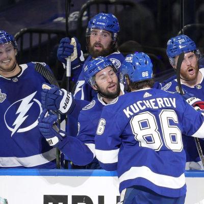Tampa vann den första matchen i årets finalserie i NHL.