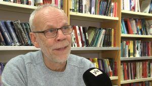 Profilbild på läraren Kenneth Nygrén.