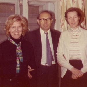 Meri Louhos ja Kirsti von Boehm sekä Leningradin konservatorion valmistavan koulun rehtori 1960-luvun lopulla.