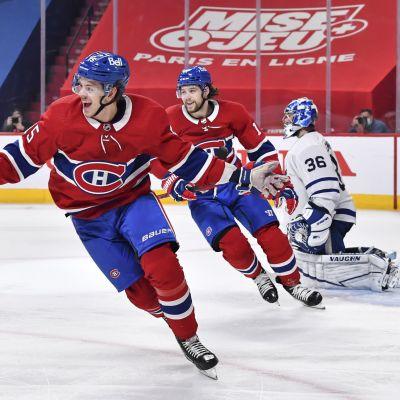 Montreals Jesperi Kotkaniemi avgör matchen mot Toronto.