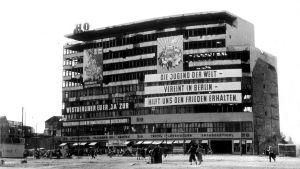 Potsdamer Platz i dåvarande DDR innan Berlinmuren byggdes