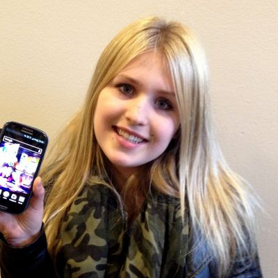 Fanny Ollas använder sin kära smarttelefon också på lektioner.