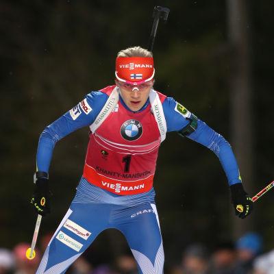 En formstark Kaisa Mäkäräinen kommer att gå en intressant kamp mot de finländska topparna i längdåkning.
