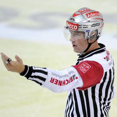 Jozef Kubus är den andra huvuddomaren i Finlands semifinal mot Ryssland.