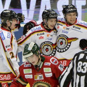 Dean Kukan, Kristian Näkyvä och Johan Harju, Frölunda-Luleå, SHL, mars 2015.