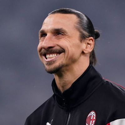 Zlatan Ibrahimovic i Milans träningsoverall.