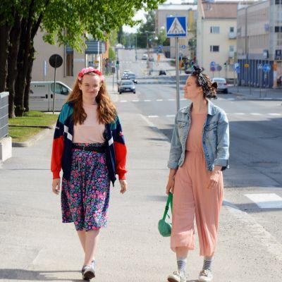 Aino ja Iida Hyyryläinen.