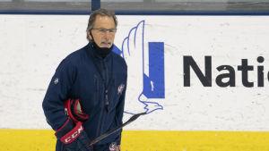 John Tortorella på isen.