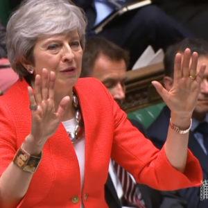 Theresa May försvarade utträdesavtalet med EU i det brittiska underhuset.