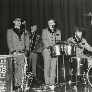 Pentti-Oskari Kangas orkesteri bändi 60-luku
