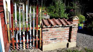 Strömsös nya staket av skidor.