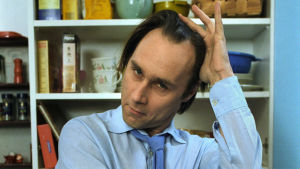 Näyttelijä Tom Lindholm isän roolissa.