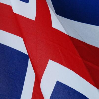 Islands flagga i blått, vitt och rött.