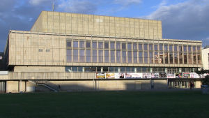 Gammal DDR-arkitektur i staden Gera
