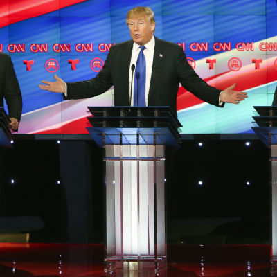 Marco Rubio, Donald Trump och Ted Cruz under republikanska debatten i februari 2016.