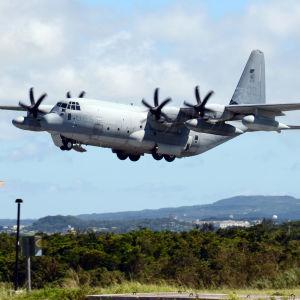 Ett KC-130 Hercules-flygplan.