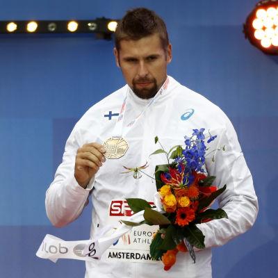 Antti Ruuskanen med sin bronsmedalj från friidrotts-EM 2016.