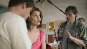 Claes Olsson regisserar Nicke Lignell och Tiina Lymi