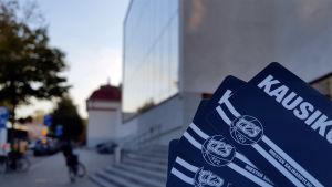 TPS Salibandyn kausikortteja Turun pääkirjaston portailla
