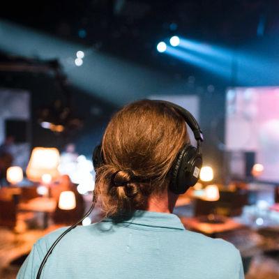Äänittäjä studiossa